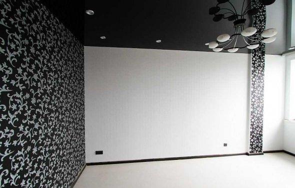 Темна стіна навпроти вікна